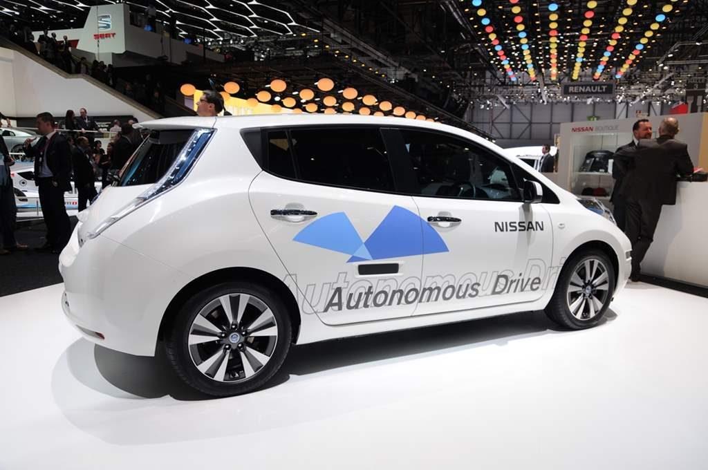 1 Mobil Keren Yang Populer Di Tokyo Auto Show 2015_Nissan Autonomous-Drive Concept Car