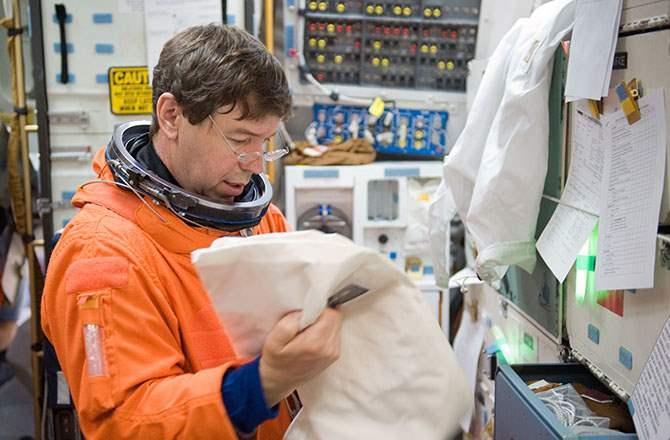 7 Astronaut Dengan Durasi Tinggal Di Ruang Angkasa Paling Lama barratt ngelag.com