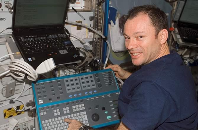 7 Astronaut Dengan Durasi Tinggal Di Ruang Angkasa Paling Lama lopez ngelag.com
