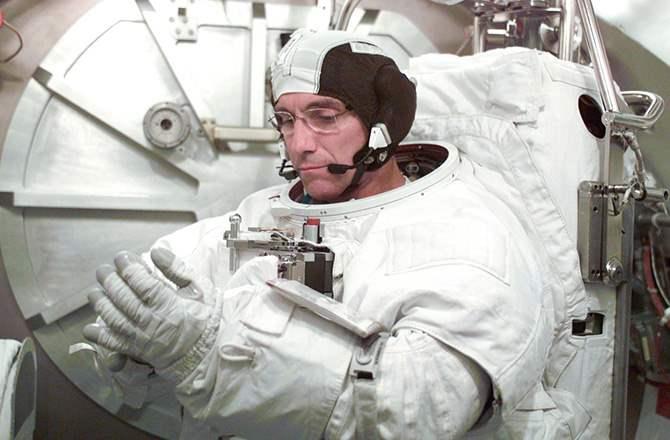 7 Astronaut Dengan Durasi Tinggal Di Ruang Angkasa Paling Lama walz ngelag.com