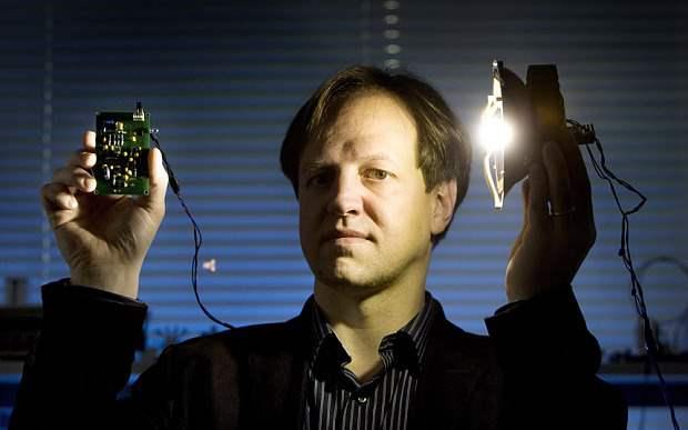 Li-Fi-Terbukti-100-Kali-Lebih-Cepat-Dari-Wi-Fi-Harald-Haas-ngelag.com