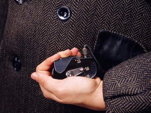 Spy Gadget Ala James Bond_COAT CAMERA_Ngelag.com