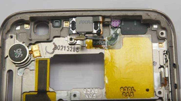 Apakah Yang Membuat Smartphone Samsung Galaxy S7 Tahan Air Bahkan Direbus.