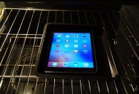 Beginilah Jadinya Jika iPad Air 2 Dipanggang Dalam Oven