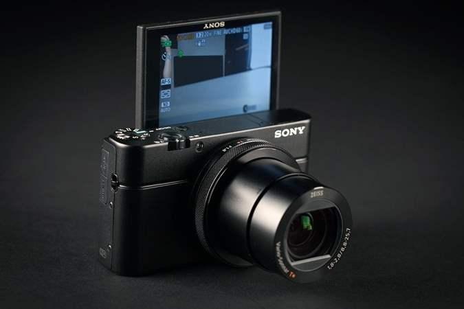 Sony Cyber-shot RX100 IV Kamera Untuk Vlog